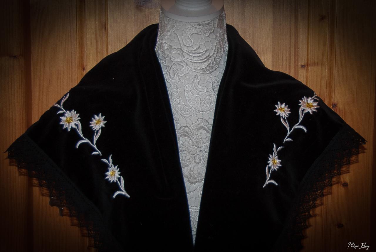 Châle Edelweiss, châle traditionnel Savoyardbrodé