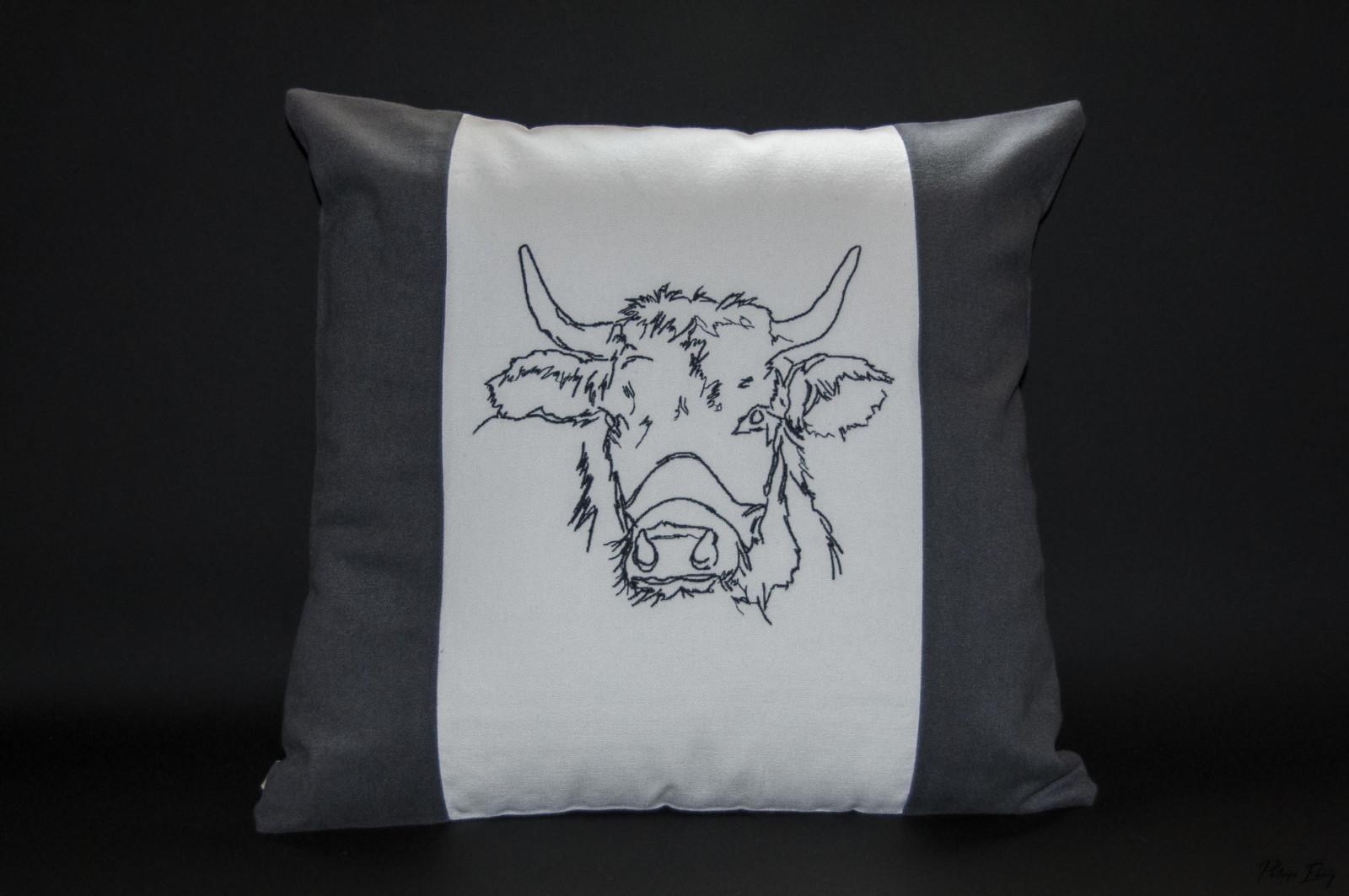 Housse de coussin 40×40 : Vache Claudine gris
