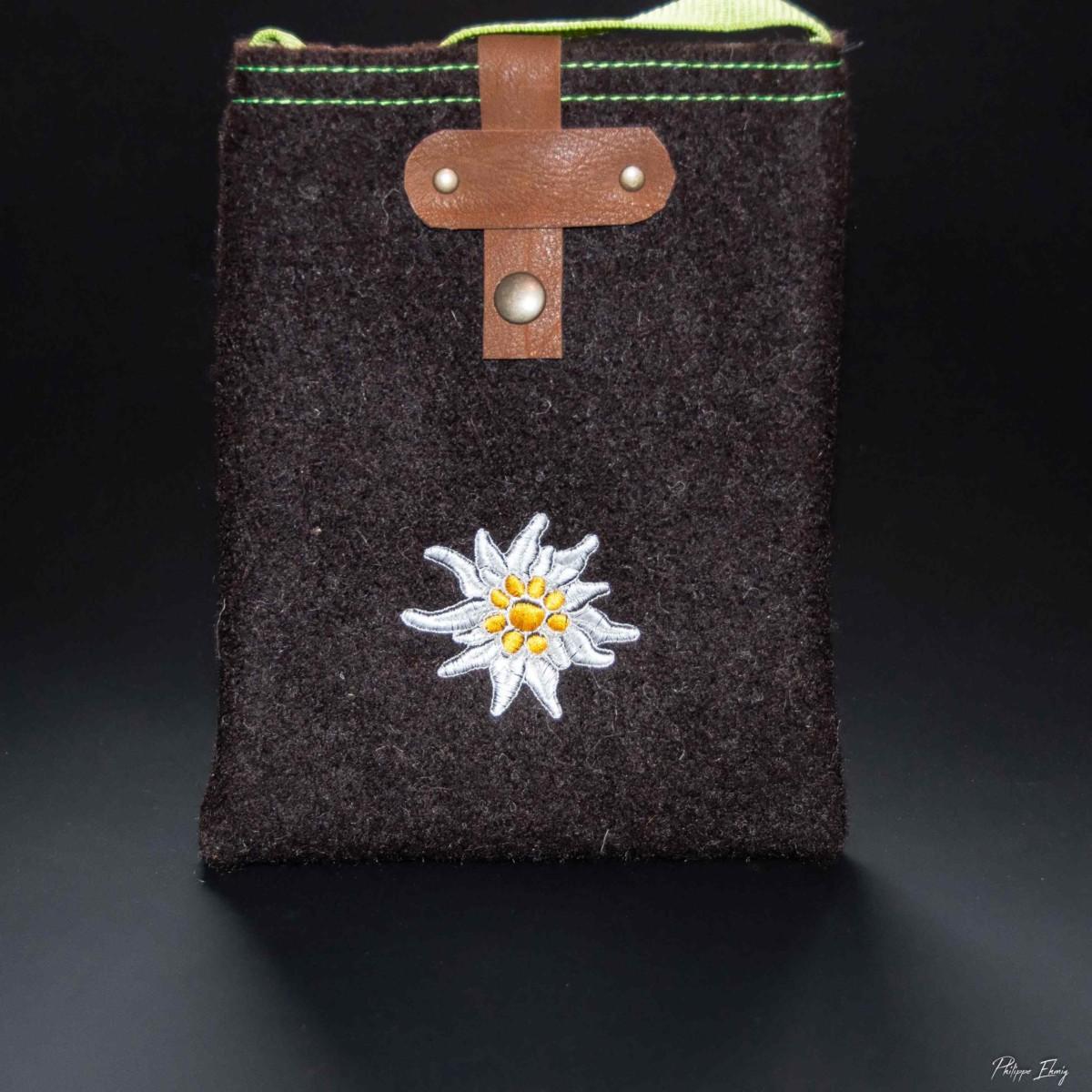 pochette edelweiss marron, accessoire mode homme femme
