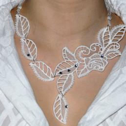 collier Rose, accessoire mode femme, mariage et soirée