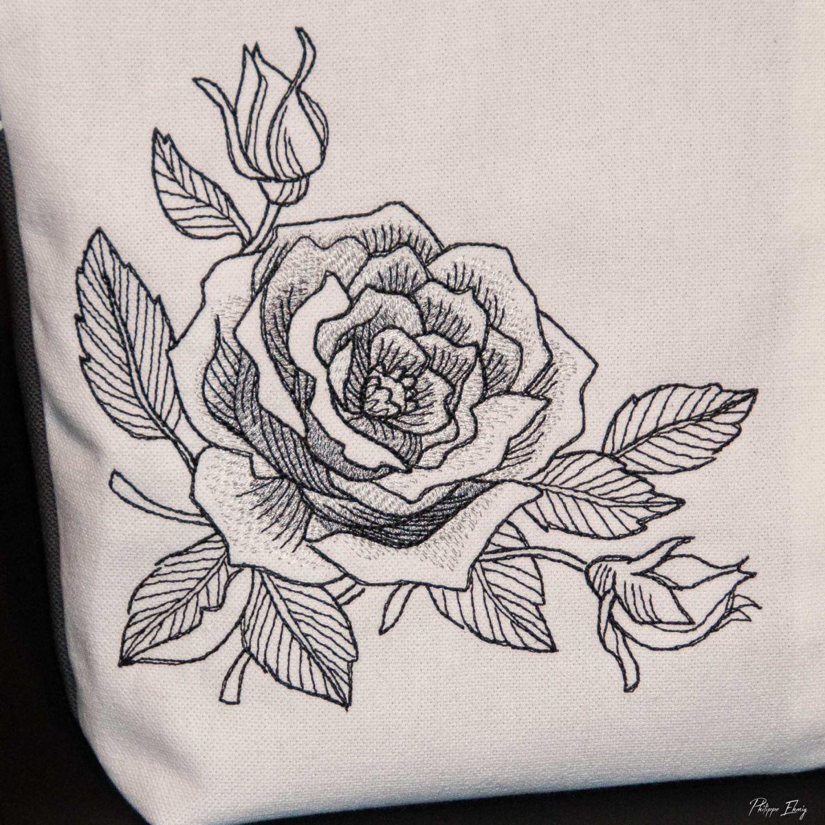 Pochette rose au fusain