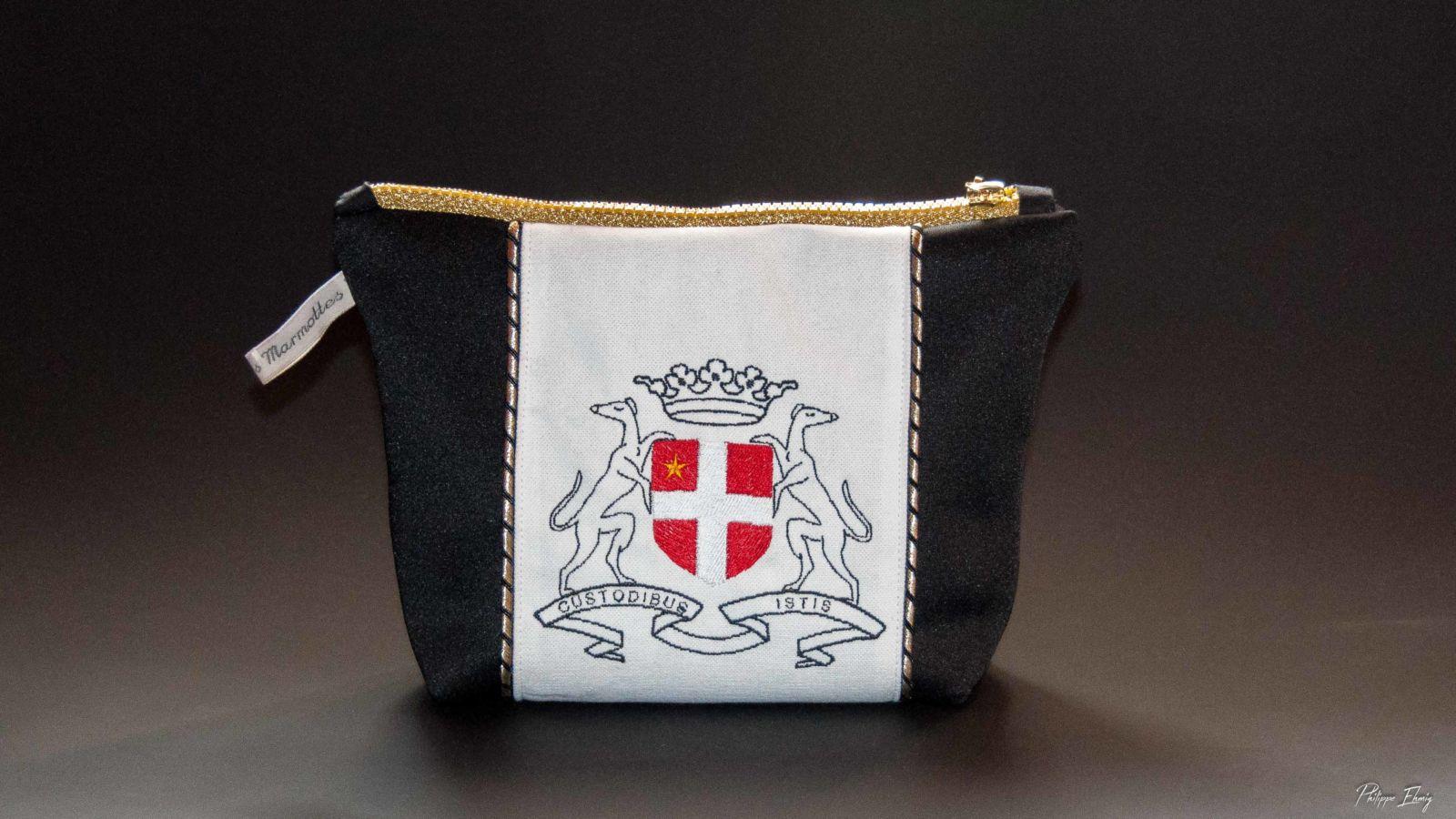 "Pochette ""Armoiries de Chambéry"", pochette brodée, fabrication artisanale"